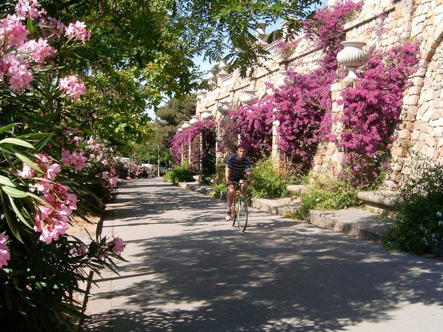 fietsen-in-barcelona-monjuic