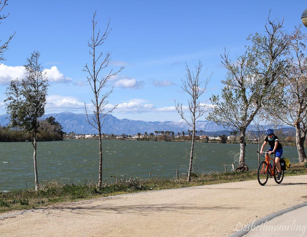 fietsen langs de Ebro